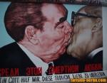 Pintura del muro de Berlín (Beso)